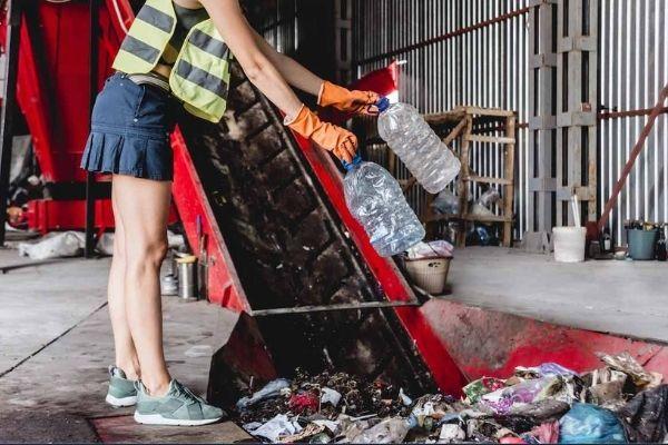 rubbish sortnig and recycling